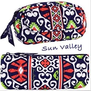 VERA BRADLEY SUN VALLEY BAG BUNDLE. LIKE NEW!